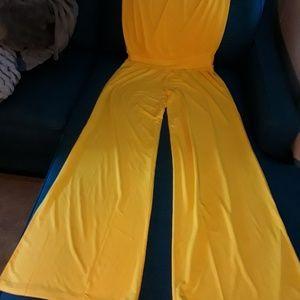 Carmen Marc valvo jumpsuit cover up on size.XL,